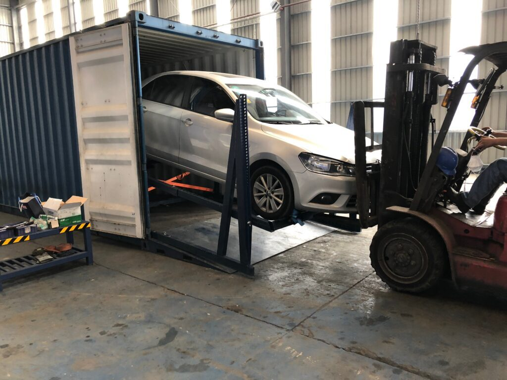 Load cars in Containers