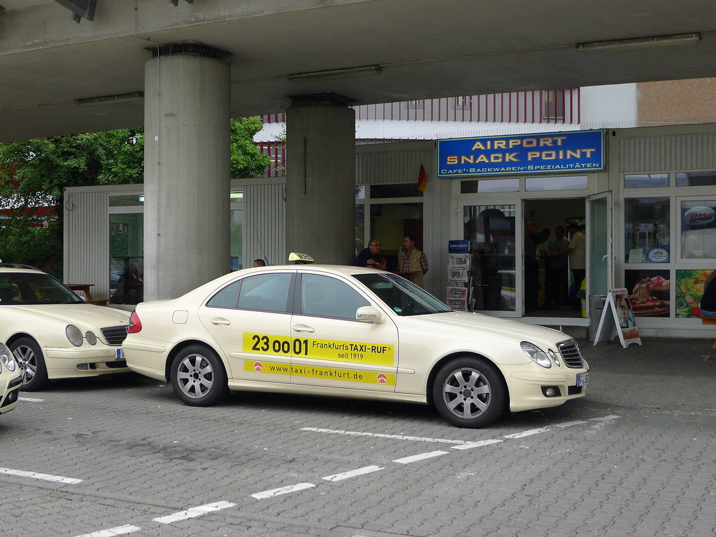 airport taxi Leicester
