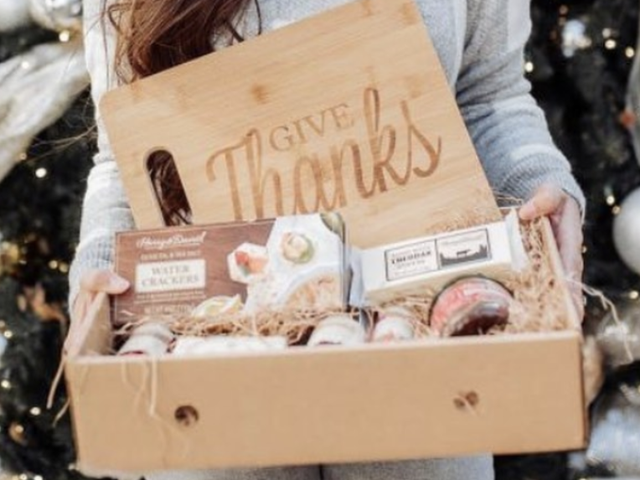 5 THANKSGIVING GIFTS THAT YOU CAN GIFT YOUR LOVED ONES